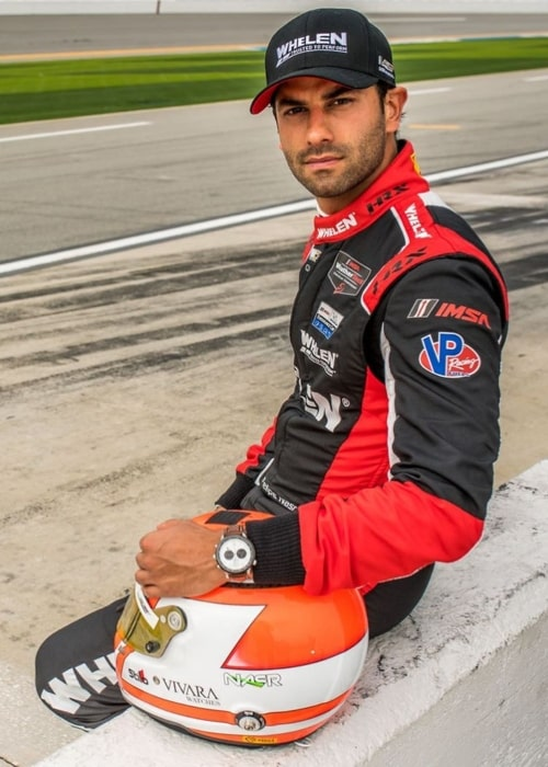 Felipe Nasr as seen in a picture taken at the race track while sporting a watch from Joias Vivara in February 2020