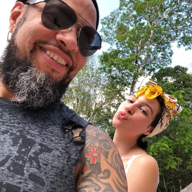 Frank Ferrer as seen while taking a selfie along with his daughter in April 2018