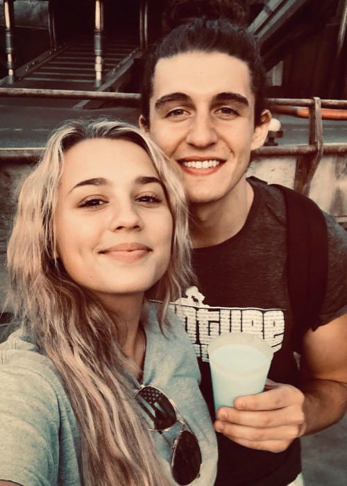 Gabby Barrett and Cade Foehner in a selfie in August 2019