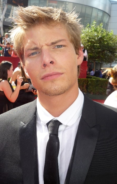 Hunter Parrish as seen at the Emmys in September 2009