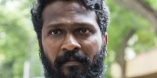 Indian film director Vetrimaaran Pay Homage to lyricist Na Muthukumar as seen in 2011