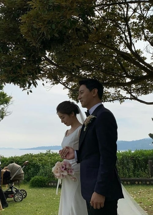 Joo Jin-mo as seen in a picture on the day of his wedding with his wife doctor Min Hye-yeon on June 1, 2019
