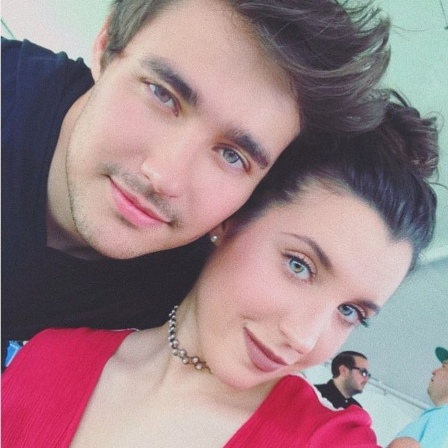 Jorge Blanco and Stephie Caire taking a selfie in August 2018