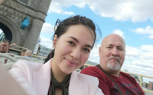 Julia Montes as seen while taking a selfie with her dad