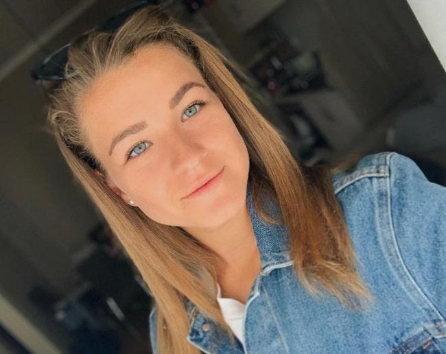 Karolína Muchová in an Instagram selfie in April 2019