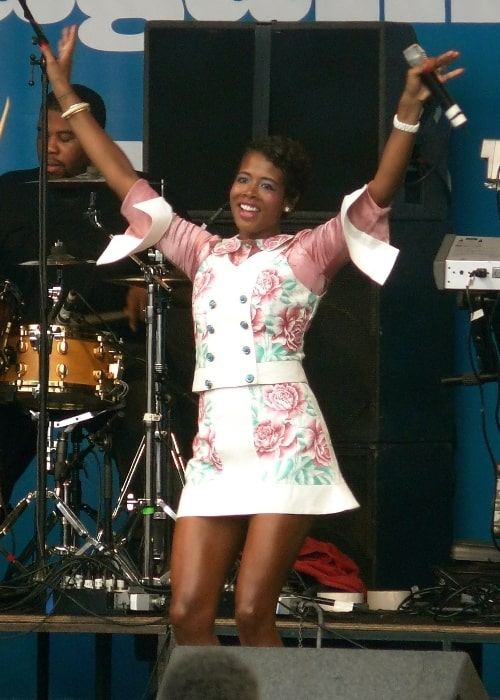 Kelis performing at Rise Festival in Finsbury Park in 2007