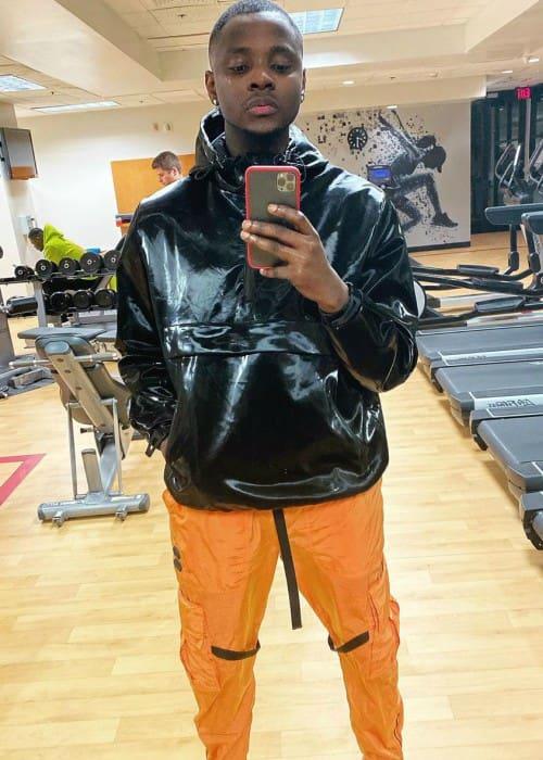 Kizz Daniel in a selfie in November 2019