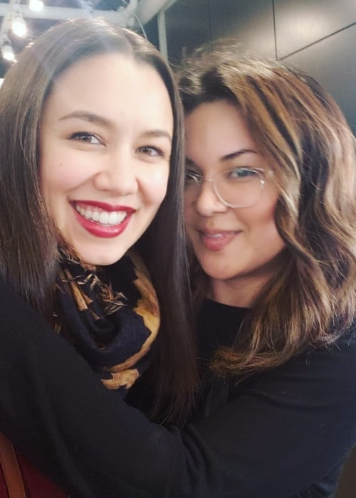 Luisa D'Oliveira as seen in a selfie taken with hairstylist and her close friend Emme Hair in February 2019