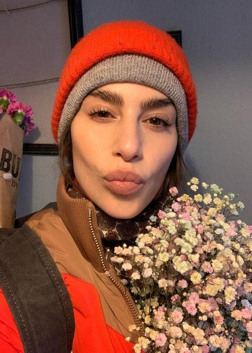 Nadia Hilker pouting in a selfie in January 2020