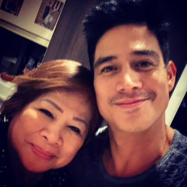 Piolo Pascual as seen in a selfie taken with his mother Amy Pascual in January 2020