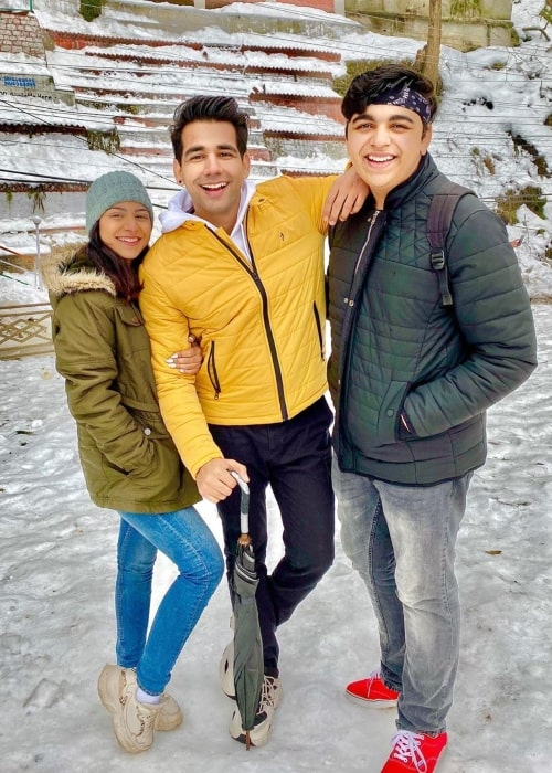 Rishi Dev as seen in a picture taken with his sister Diksha and brother Sanjay in February 2020