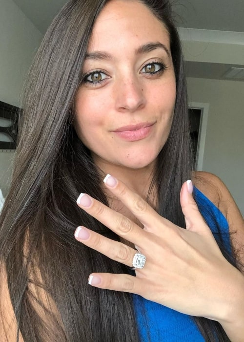 Sammi Giancola as seen while taking a selfie and showing her ring in January 2020