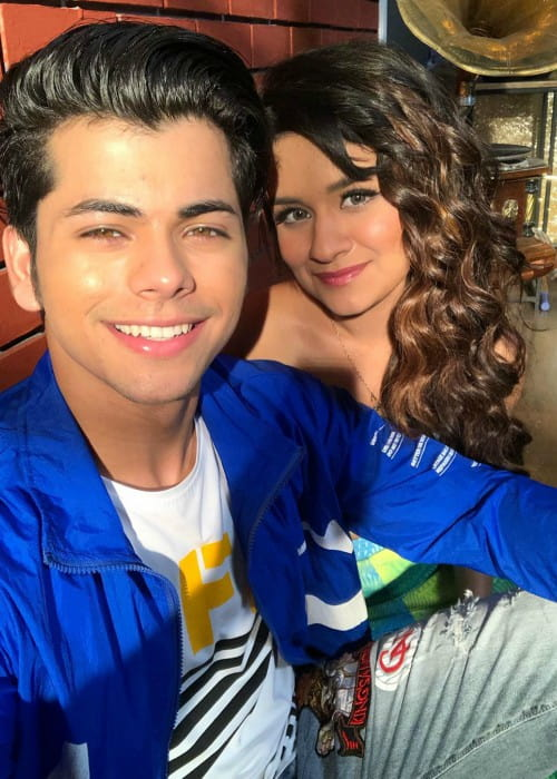 Siddharth Nigam and Avneet Kaur in a selfie in November 2019