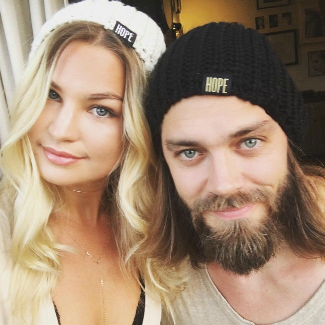 Tom Payne and Jennifer Johanna Åkerman in a selfie in September 2016