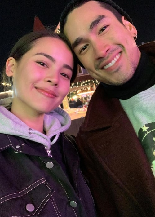 Urassaya Sperbund smiling in a selfie along with Nadech Kugimiya in December 2019