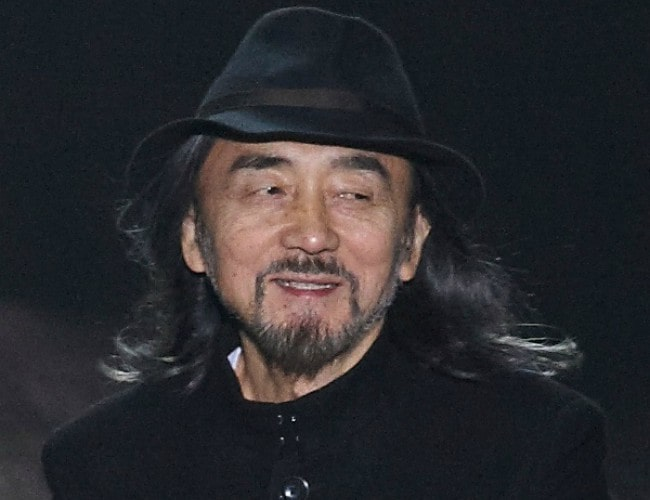 Yohji Yamamoto at the conclusion of his Fall-Winter 2010 show