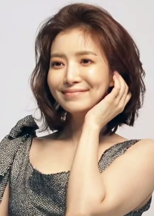 Yoon Se-ah as seen in a screenshot taken from a video during a photoshoot for Women Sense in February 2018