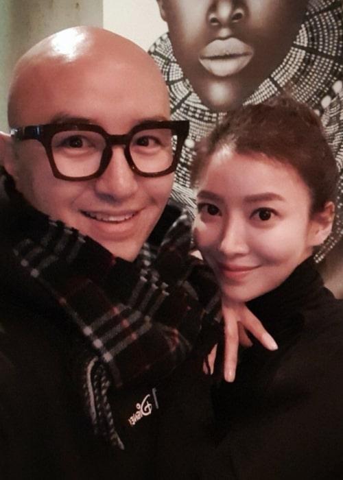 Yoon Se-ah as seen in a selfie taken with actor Hong Seok-cheon in January 2020