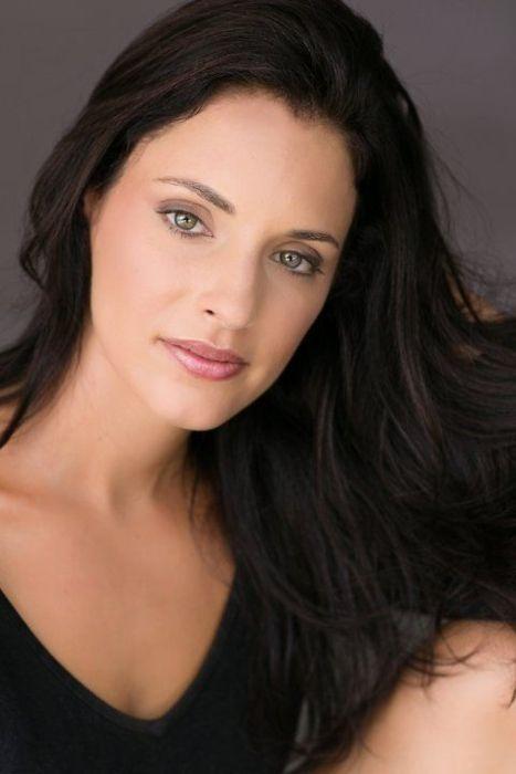 American actress Lisa Goldstein