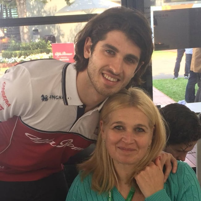 Antonio Giovinazzi and his mother, as seen in May 2019