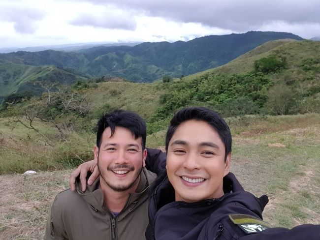 Coco Martin taking a selfie in January 2019