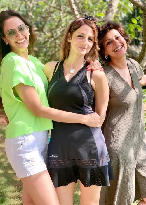 From Left to Right - Gayatri Oberoi, Sussanne Khan, and Sonali Bendre as seen while posing for a picture