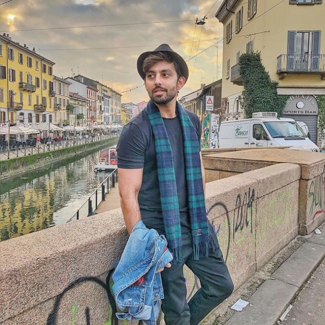 Himansh Kohli on a vacation in Milano Navigli
