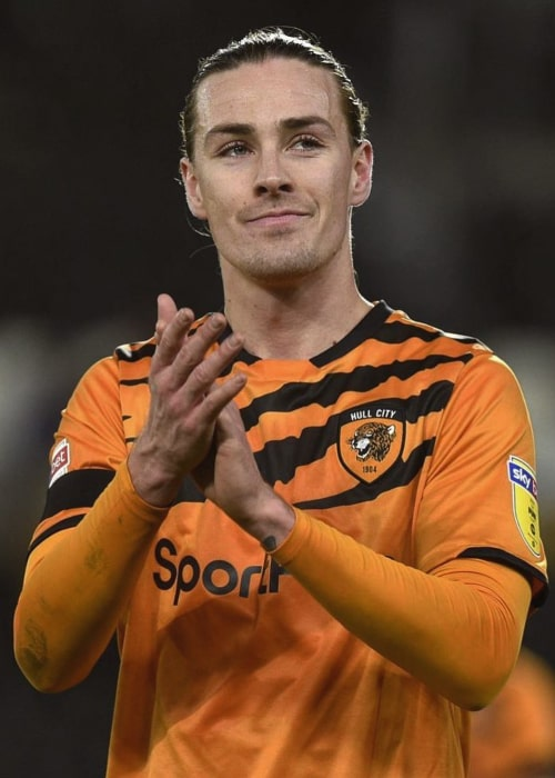 Jackson Irvine during a game for Hull City in December 2019