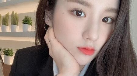 Jeon Hee-jin Height, Weight, Age, Body Statistics