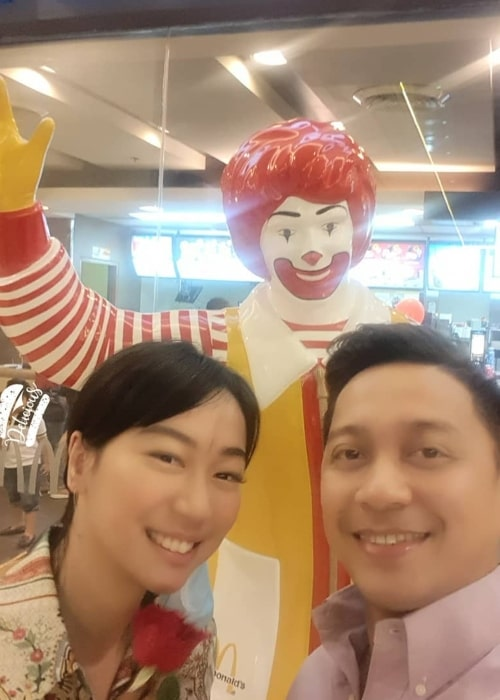 Jhong Hilario as seen in a selfie taken with his girlfriend Maia Leviste Azores on the day of Valentines in front a McDonald's statue in February 2020