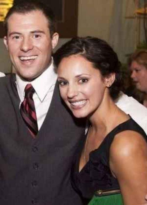 Lisa Goldstein posing with her husband Brendan Kirsch
