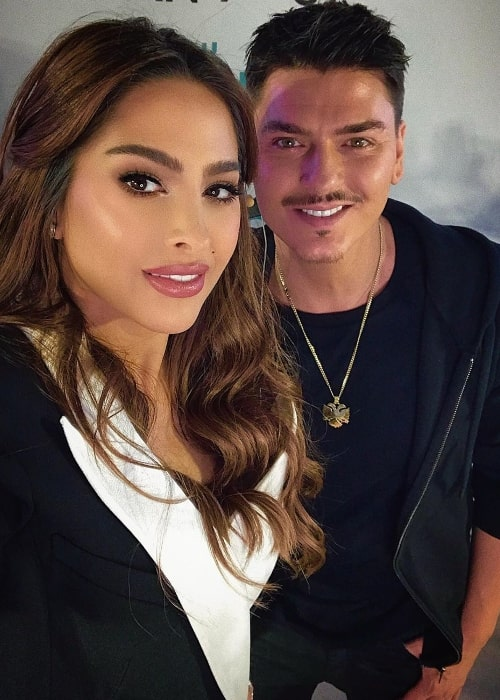 Mario Dedivanovic smiling in a selfie alongside Fouz Al Fahad in Doha City, Qatar in February 2020