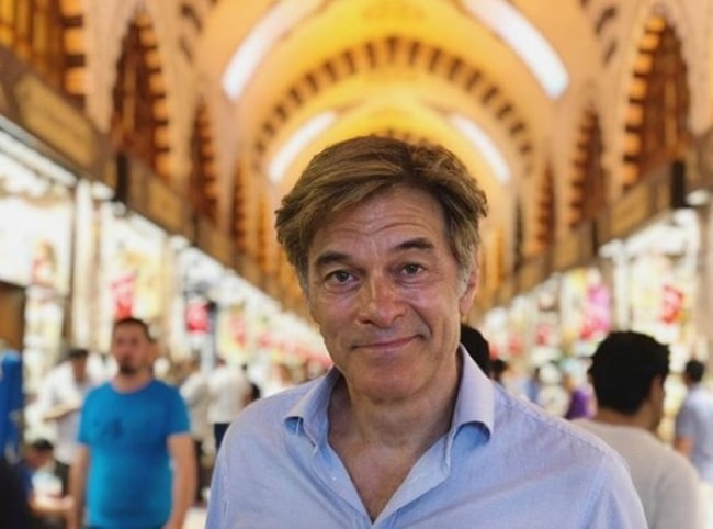 Mehmet Oz at the Grand Bazaar of İstanbul in February 2020