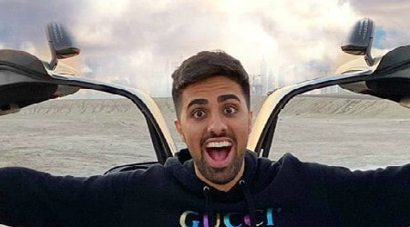 Mo Vlogs Height, Weight, Age, Body Statistics