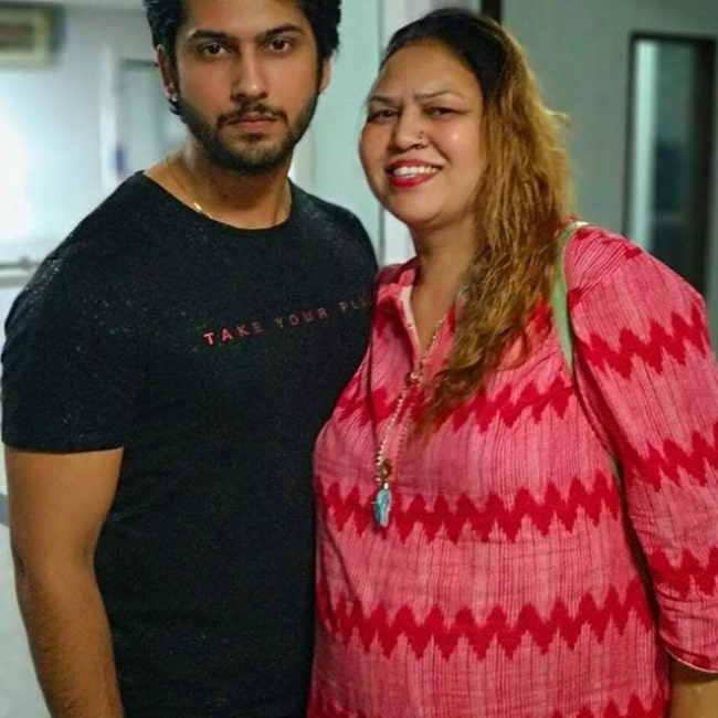 Namish Taneja with his mother in 2018