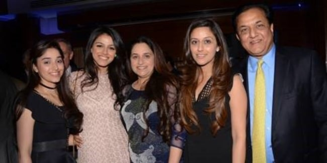 Rana Kapoor as seen in a picture alongside his wife and daughters in 2018