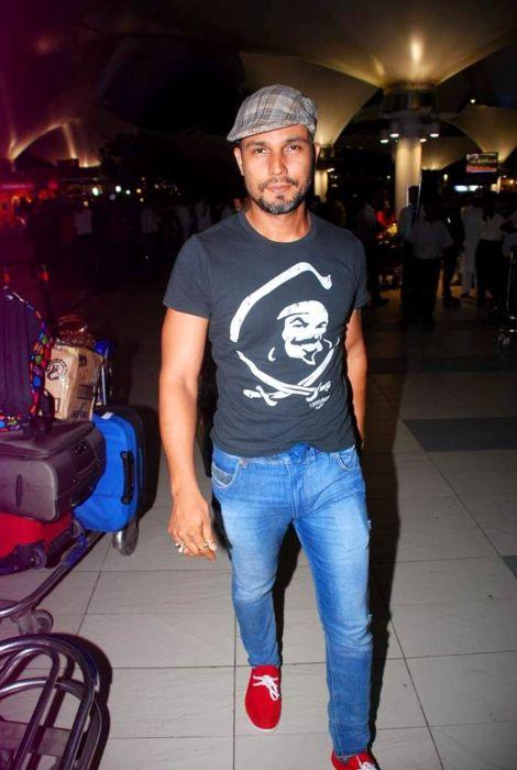 Randeep Hooda seen while returning from the IIFA Awards in 2012