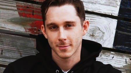 Ryan Abe Height, Weight, Age, Body Statistics