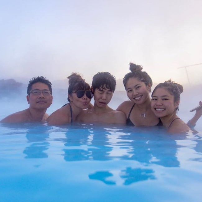 Sean Lew as seen in a picture taken with his father (Right), mother May Lew (Right), and his sisters Serris and Sarah in December 2019