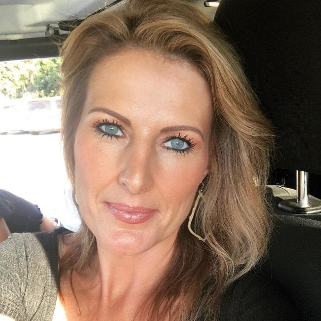 Sheri Easterling sharing her stunning selfie in September 2019