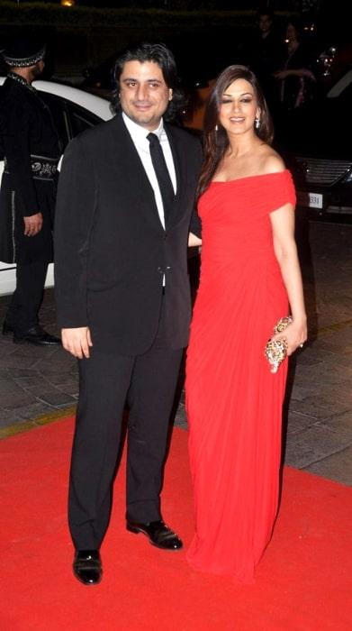 Sonali Bendre and husband Goldie Behl at Karan Johar's 40th birthday bash at Taj Lands End in May 2012