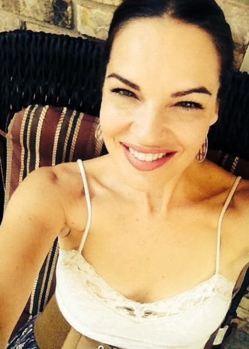 Tammy Blanchard as seen while smiling in a selfie in September 2017