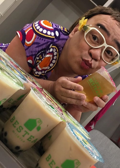 Wally Bayola as seen in a picture taken with BesTea MilkTea in March 2020