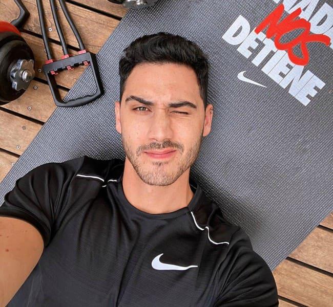 Alejandro Speitzer in an Instagram selfie as seen in April 2020