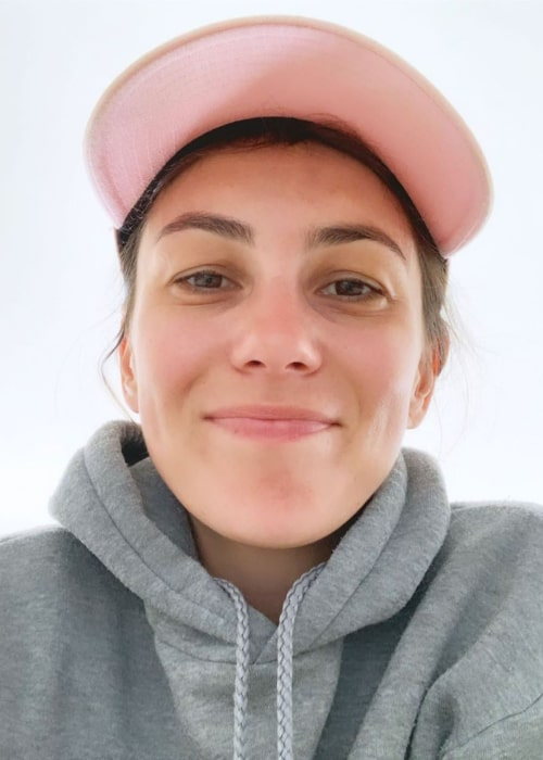Amy Shark in an Instagram selfie from August 2019