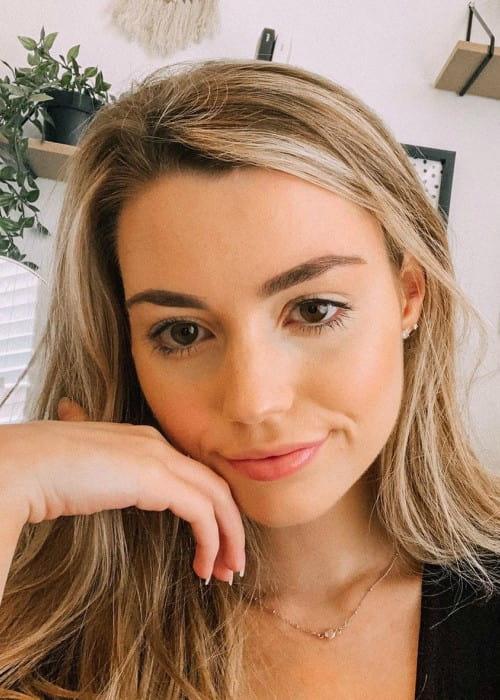 Ayzria in an Instagram selfie as seen in October 2019