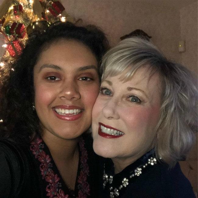 Cathy Nesbitt-Stein (Right) and Vivi-Anne Stein in a selfie in December 2019