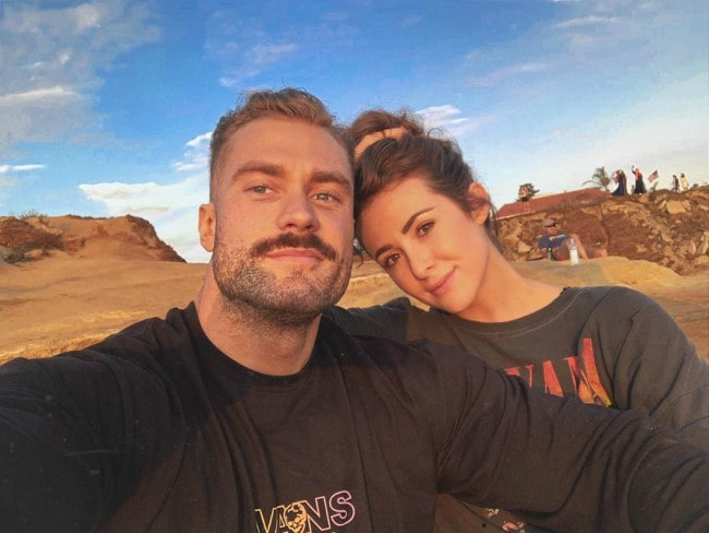 Chris Bumstead and Courtney King in a selfie in September 2019
