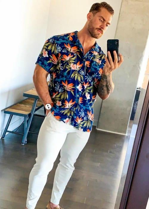 Chris Bumstead in an Instagram selfie as seen in August 2019