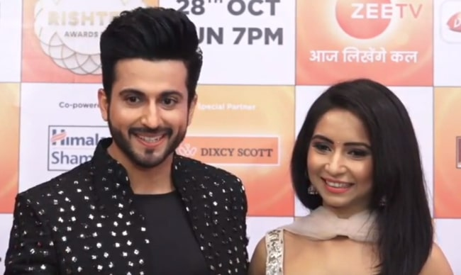 Dheeraj Dhoopar with his wife Vinny Arora at Zee Rishtey Awards 2018